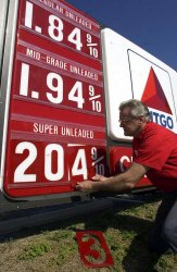 Two dollar per gallon gas prices reach St. Louis