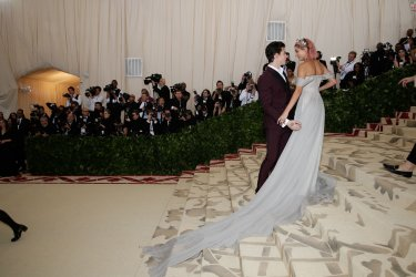Shawn Mendes and Hailey Baldwin arrive at the Met Gala in New York