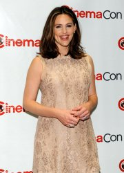 Jennifer Garner arrives at a Walt Disney Studios Motion Pictures event at the 2012 CinemaCon in Las Vegas