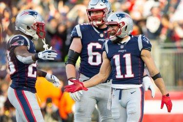 Patriots Edelman scores against Bills