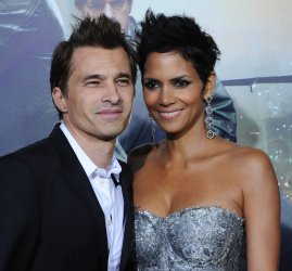 """Halle Berry and Olivier Martinez attend the """"Cloud Atlas"""" premiere in Los Angeles"""
