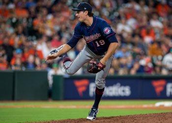 Twins relief pitcher Ryne Harper