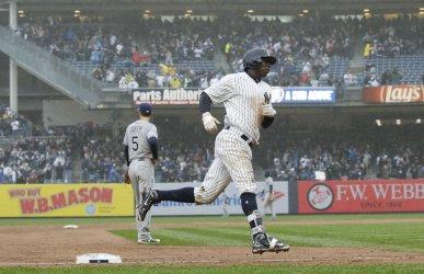 Yankees Didi Gregorius hits a 3 run home run
