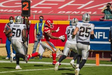 Chiefs Clyde Edwards-Helaire scores a touchdown