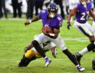 Pittsburgh Steelers defeat Baltimore Ravens 28-4 at M&T Bank Stadium