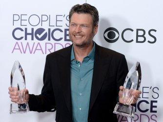 Blake Shelton garners award at the People's Choice Awards in Los Angeles