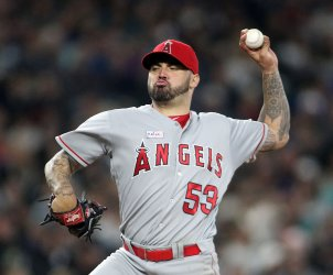 Los Angeles Angels starter Hector Santiago struck out five in win over Seattle