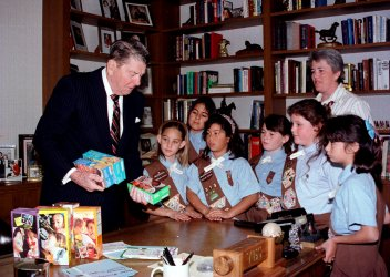 Former President Ronald Reagan buys Girl Scout Cookies