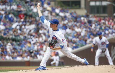 Cubs starting pitcher Kyle Hendricks delivers against the Brewers in Chicago