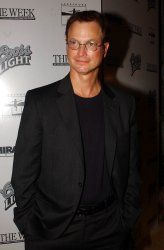"GARY SINISE AT FILM PREMIERE ""THE HUMAN STAIN"""
