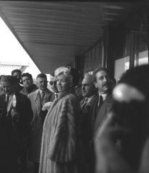 Jayne Mansfield arrives in Paris