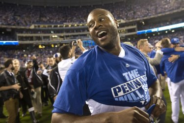 Royals' Eric Hosmer celebrates after winning ALCS