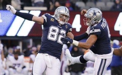 Cowboys Dak Prescott and Jason Witten celebrate a TD