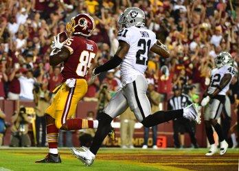 Washington Redskins Tight End Vernon scores