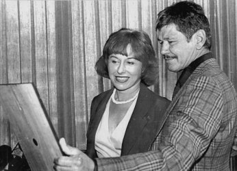 """Actor Charles Bronson wins """"Well Worth Watching"""" award from Man-Watcher President Susan Mallery"""