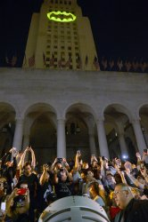 """Adam West honored with """"bat signal"""" at city hall in Los Angeles"""