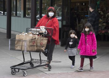 Residents stock up for three weeks in San Francisco