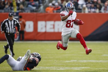 Giants Sterling Shepard runs in Chicago