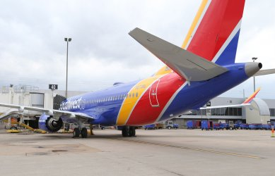 Last Southwest 737 Max 8 plane to be grounded lands in St. Louis