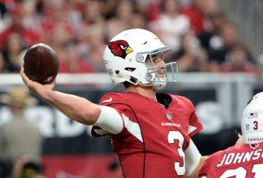 Cardinals' Rosen gets off a pass