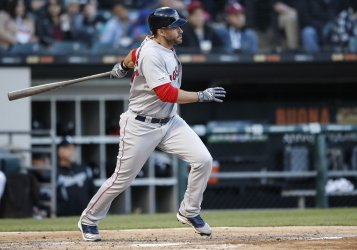 Red Sox J.D. Martinez hits an RBI-double in Chicago