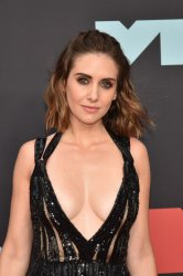 Alison Brie at the MTV Video Music Awards