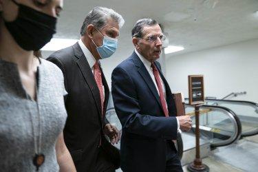 Senators Arrive to Weekly Caucus Luncheons