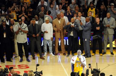 Los Angeles Lakers Kobe Bryant says goodbye to the fans at the end of his final game