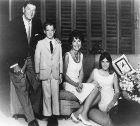RONALD REAGAN 1966 FAMILY PORTRAIT