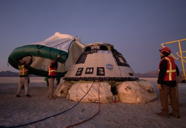 Boeing CST-100 Starliner Landing in White Sands, New Mexico