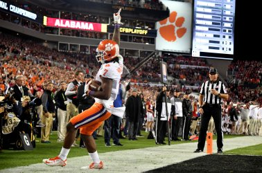 Mike Williams of the Clemson Tigers celebrates a touchdown