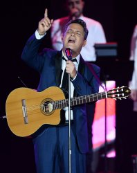 Alejandro Sanz performs at the Person of the Year tribute in Las Vegas