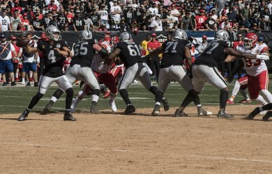 Raiders play Chiefs in last NFL game in the dirt