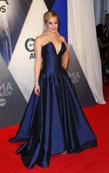 Kellie Pickler arrives on the red carpet at CMA Awards