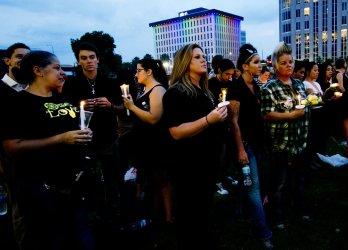Orlando holds Candlelight Vigil for Pulse Nightclub shooting