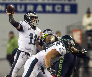 Seattle Seahawks beat  PhiladelphiaEagles 24-10 in Seattle