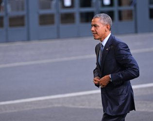 Obama Arrives at Opening of UN Climate Summit Near Paris