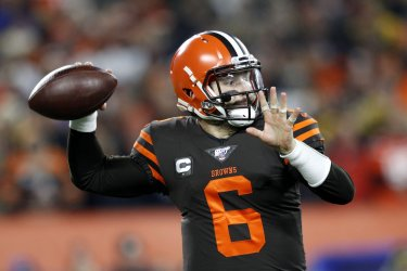 Browns Mayfield throws against Steelers