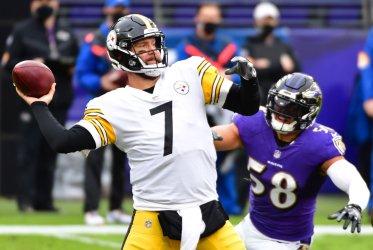 Pittsburgh Steelers vs. Baltimore Ravens at M&T Bank Stadium