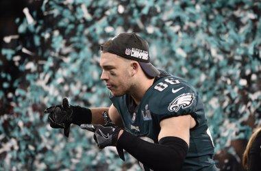 Eagles' Zach Ertz celebrates 41-33 Super Bowl LII win in Minneapolis