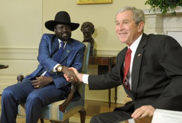 Bush meets with Sudanese leader at White House