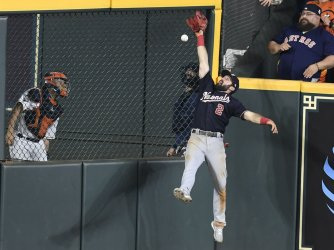 Nats Eaton misses Astros double in the World Series in Houston