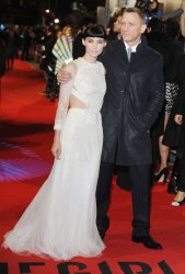 """Rooney Mara and Daniel Craig attend the premiere of """"The Girl With The Dragon Tattoo"""" in London"""