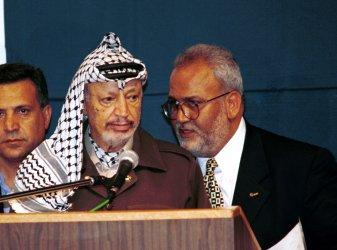 Palestinian Negotiator Saeb Erekat Dies of COVID-19 in Jerusalem