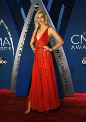 Karlie Kloss arrives for the 2017 CMA Awards in Nashville
