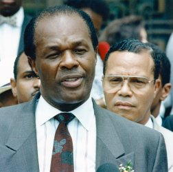 DC Mayor Marion Barry during his drug trial with Louis Farrakhan as spectator