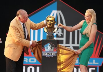 Jerry Kramer, daughter Alicia is inducted into the Pro Football Hall of Fame