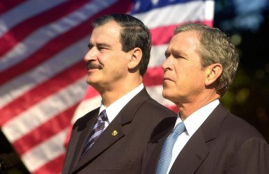 President Bush hosts his first official state visit with Mexican President Vicente Fox