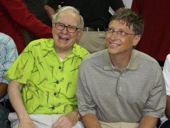 Warren Buffet and Bill Gates Attend USA Olympic Basketball Game