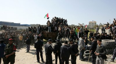 Palestinians Marking Land Day Near Border With Israel